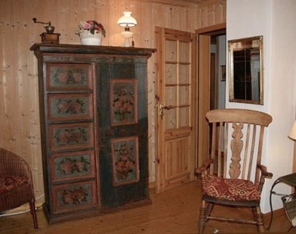 ferienwohnung nr 1 circa 40 qm mit balkon dusche und wc 75 pro nacht bei einzelbelegung. Black Bedroom Furniture Sets. Home Design Ideas